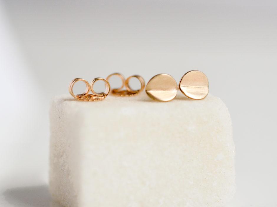 14k-gold-bent-circles-tiny-2