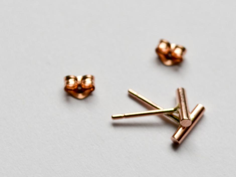 14k-rose-gold-small-bar-2