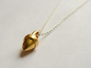 Gold-Acorn-3
