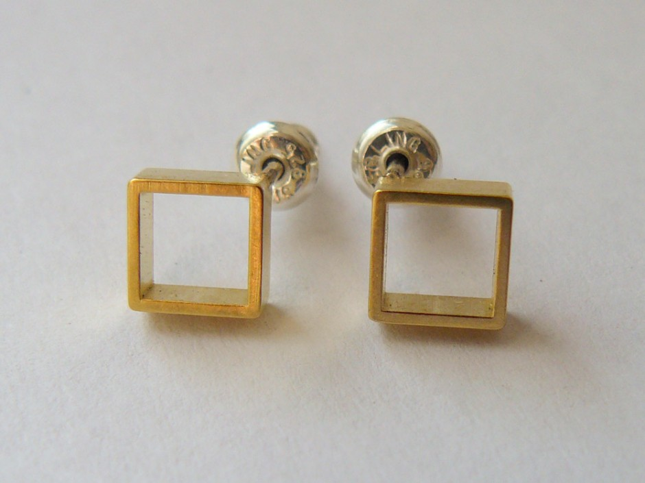 Gold-Square-Outline-Small-3