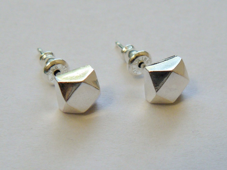 Silver-Faceted-Large