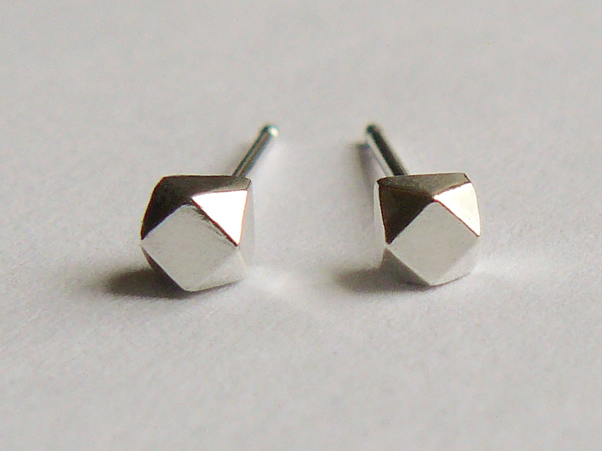 Silver-Faceted-Small-11