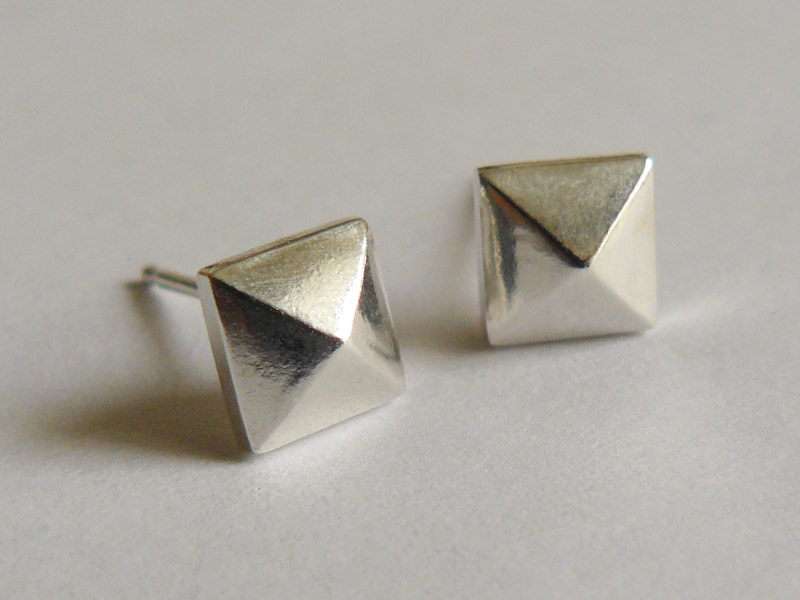 pyramid studs earrings sterling silver faceted pyramid earrings 187 hook matter 9406