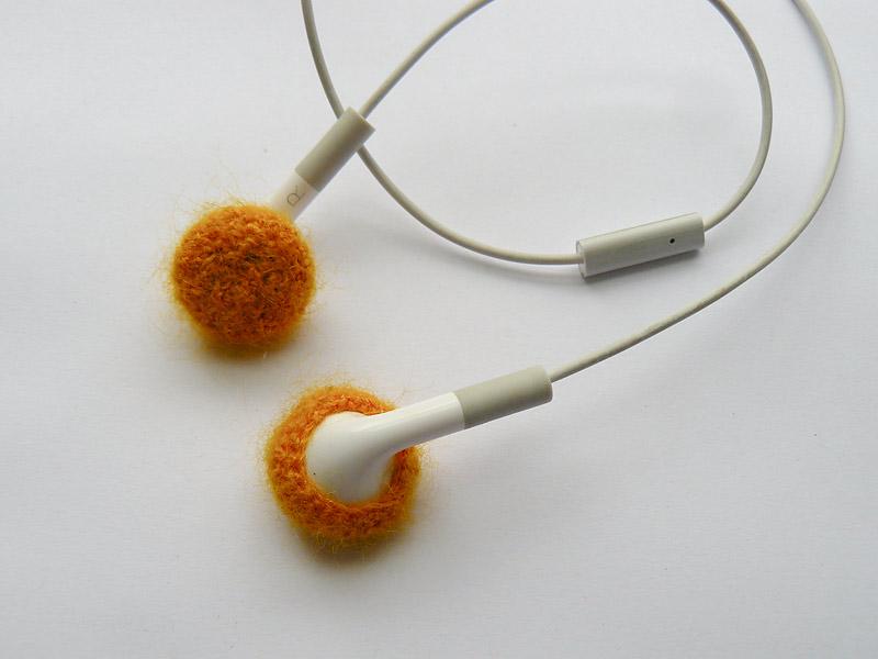 Marigold-Earbuds-3