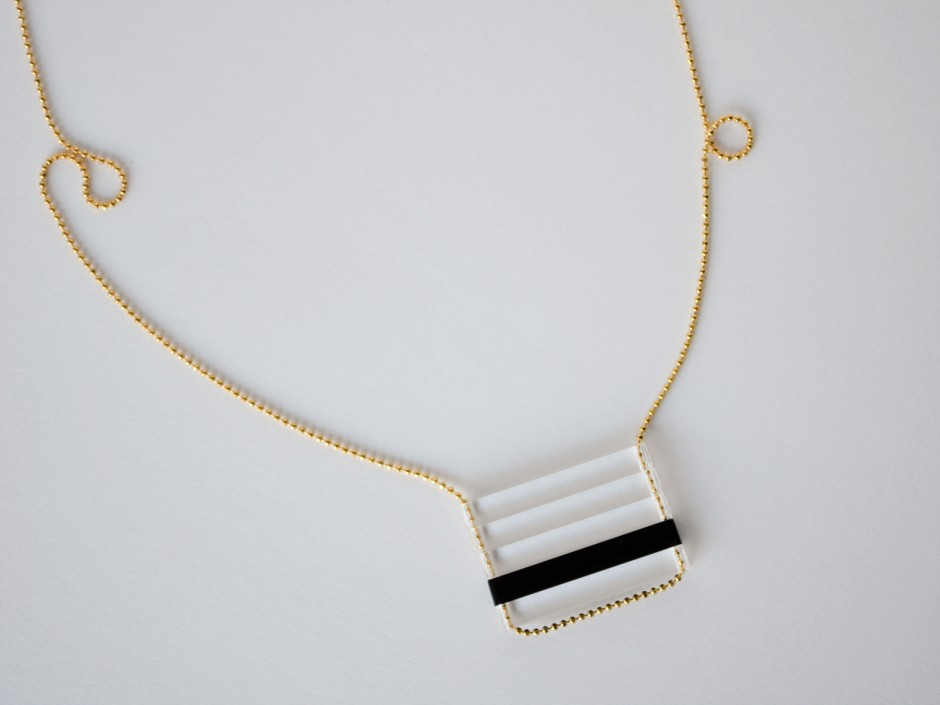 Black-Clear-Thin-Bar-Stacked