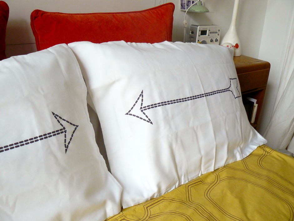 Charcoal Gray Bow & Arrow Pillowcases 3