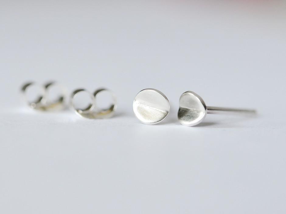 Tiny-Bent-Circle-Silver-2