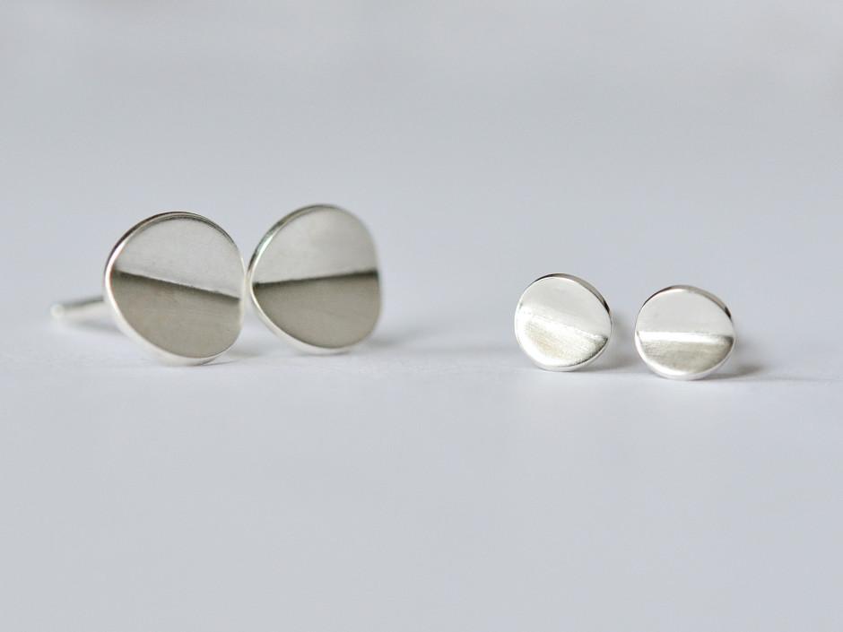 Tiny-Bent-Circle-Silver-3