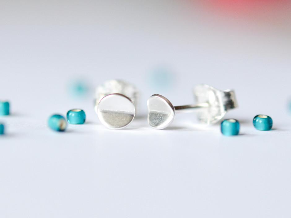 Tiny-Bent-Circle-Silver