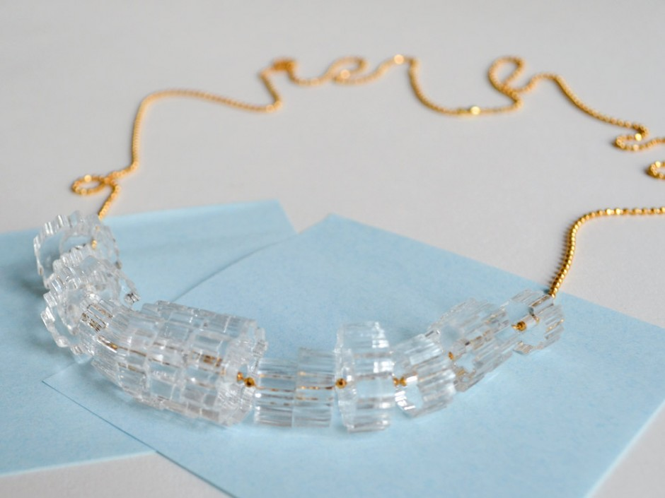 Clear Acrylic Cog Bead Necklace 3