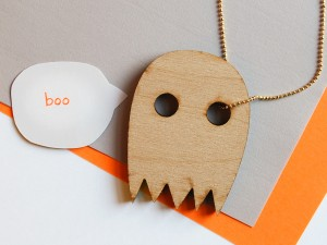 ghost-wood-gold-chain-boo