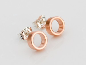 rose-gold-tiny-circle-earrings