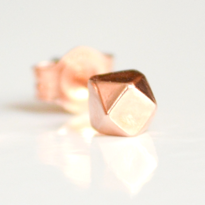 rose-gold-tiny-faceted-single-2