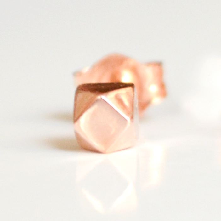 rose-gold-tiny-faceted-single-3