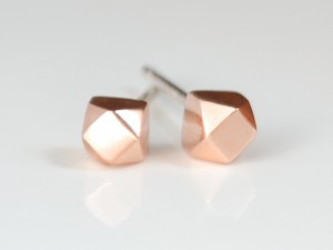 rose-gold-tiny-faceted