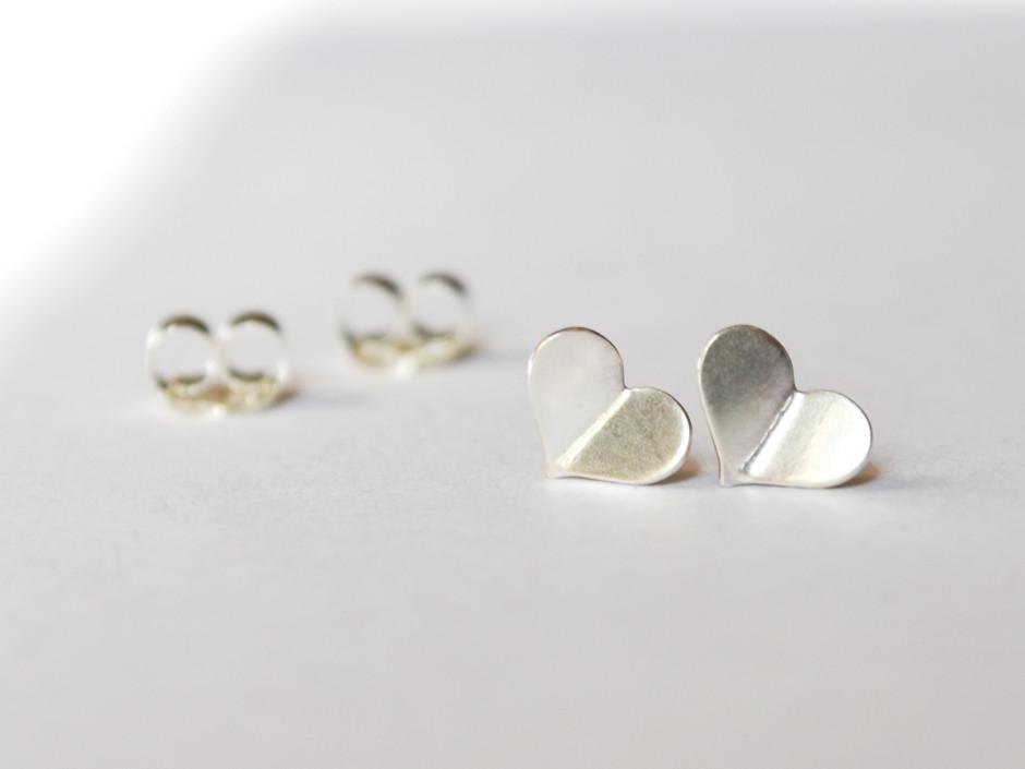 silver-heart-bent-3