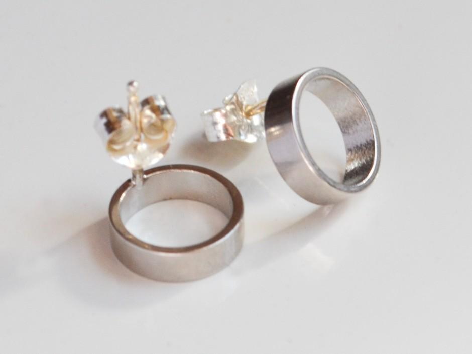 silver-rhodium-circles-medium-2