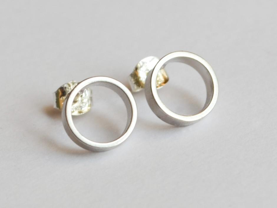 silver-rhodium-circles-medium